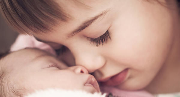 هل تختلف مناعة الطفل الأول عن الطفل الثاني؟