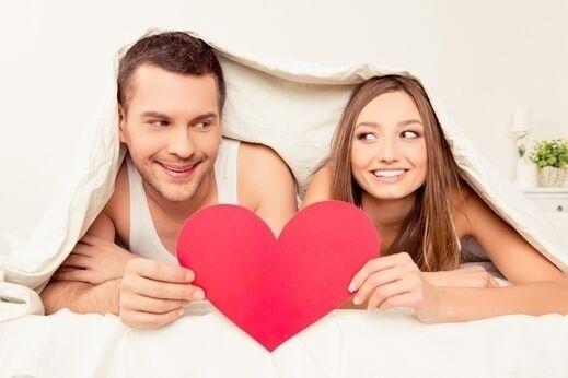 كيف تعلمي شريكك طُرق إسعادك