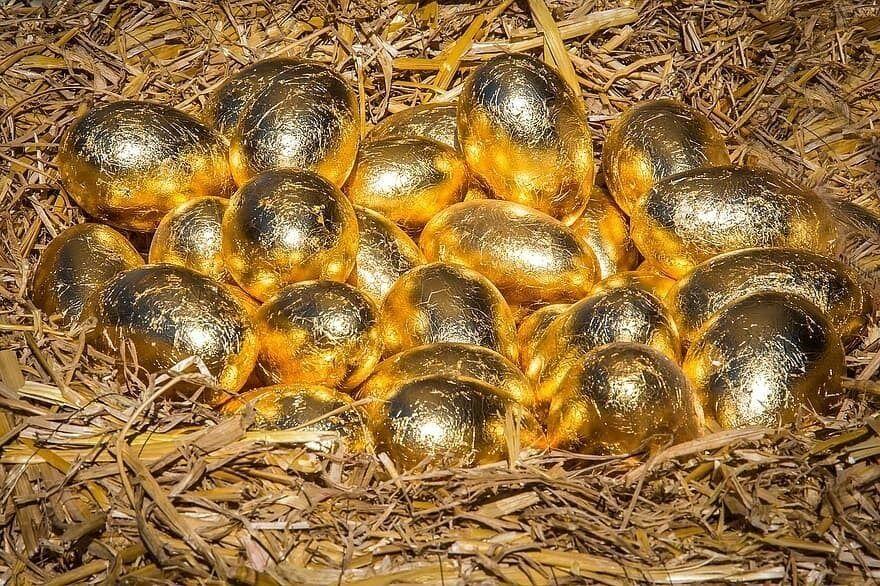 قصة البيضة الذهبية