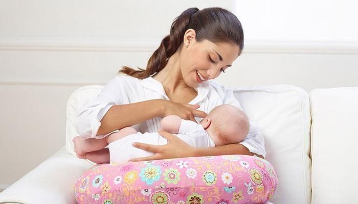 خطأ كارثي اثناء الرضاعة يؤدي إلى اختناق الطفل