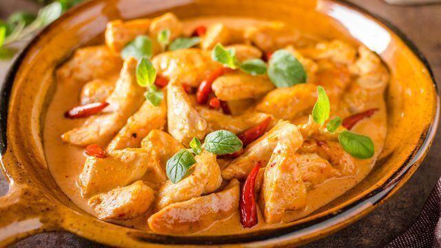 """وصفة اليوم""""الدجاج بالكارى"""" من المطبخ الهندى"""