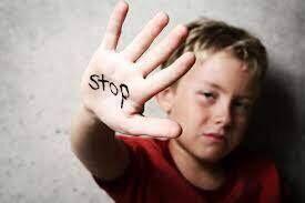 أخطاء تربوية تجعل طفلك أكثر عرضة للتحرش