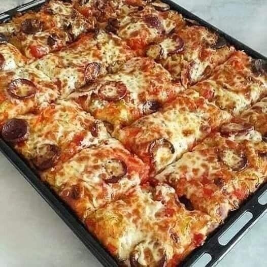 البيتزا الأمريكية في البيت