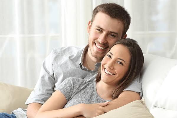 هل زوجك يخجل من التعبير عن مشاعره لكِ؟