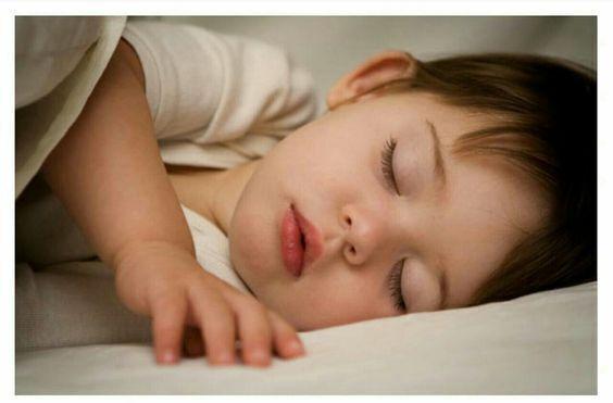 اجعلي طفلك ينام طوال الليل: فقط في ليلة واحدة  😴