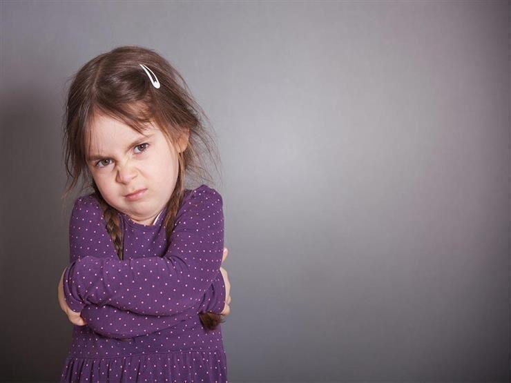 كيف تتعاملين مع الطفل عندما يتجاوز الأدب معك؟