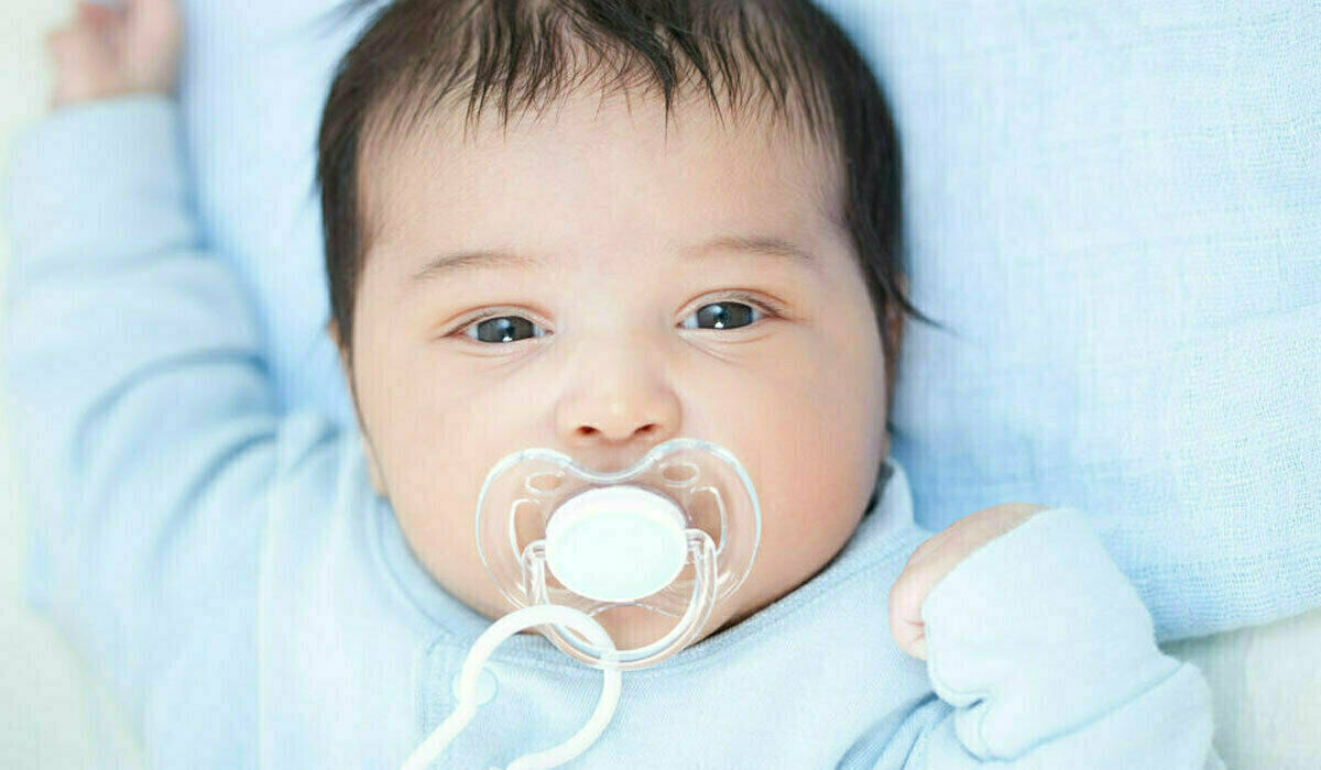 نمو طفلك بأول أربع شهور