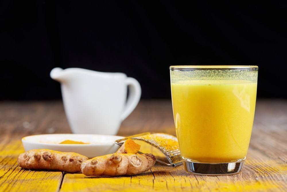 لصحة جيدة حضري المشروب الذهبي .. كركم بالحليب