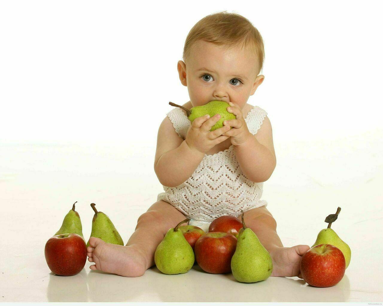 تعرفي على أهم الفواكه لصحة طفلك