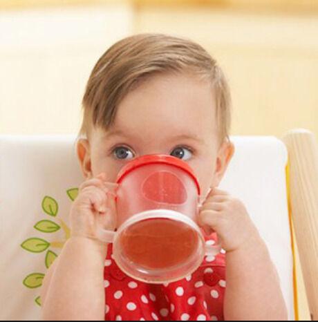 متي يشرب الطفل العصائر؟، وما أفضل عصير له؟