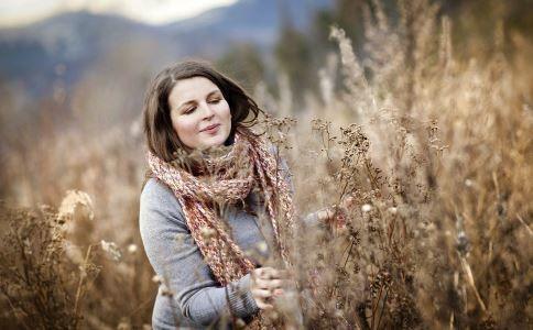 للحوامل: ٨ نصائح لا تغفليها عند ارتداء الملابس الشتوية