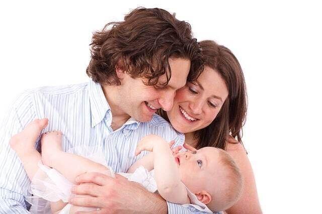 كيف تصلي لنقطة التوازن ما بين الحزم والعطف مع طفلك؟