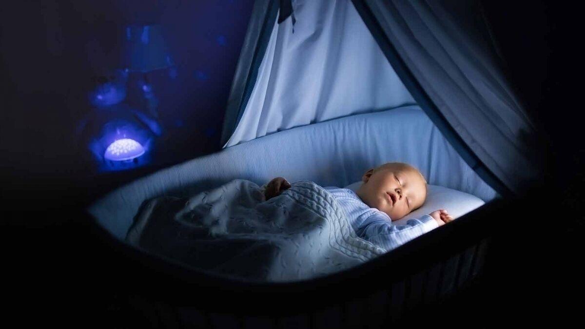 كيف تخلقين روتين لنوم طفلك ؟