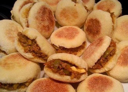خبز البطبوط المغربي محشو بدجاج المتبل