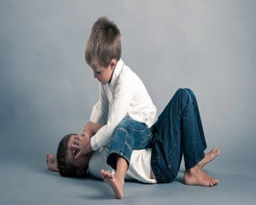 طفلك يضرب ويعنف غيره؟