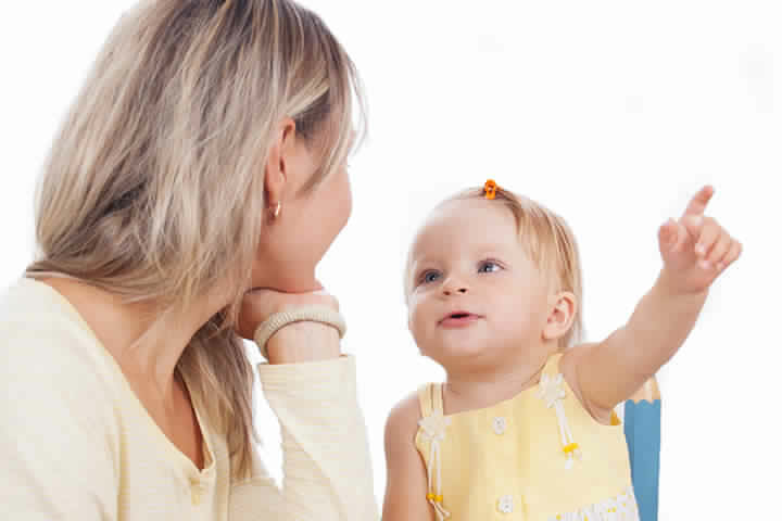 كلمات الطفل الأساسية واكتسابها