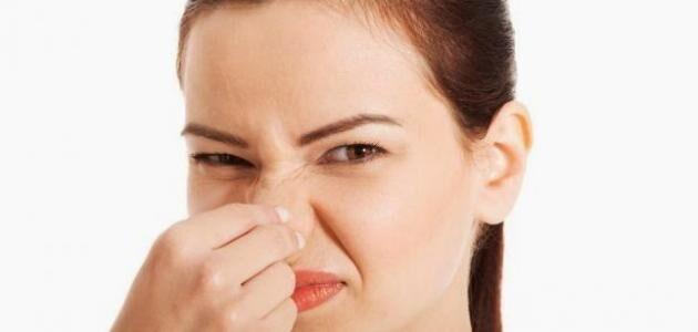 زوجي رائحته كريهة ولا أطيق أن يقترب مني