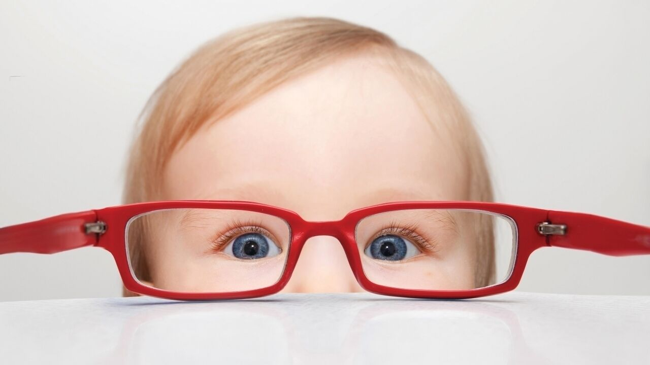 اكتشاف ضعف النظر لدي الرضيع