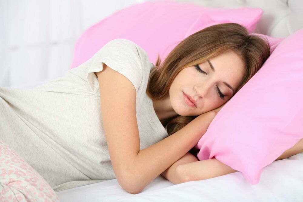 طريقة نومك والتجاعيد