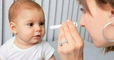 متي أفحص عين الرضيع؟