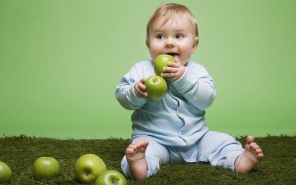 تغذية الطفل الشهر الرابع